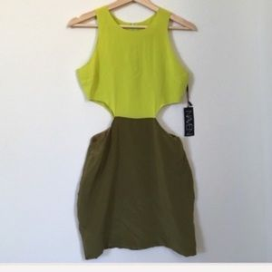 Naven | 2tone Cut out Dress in chartreuse/olive